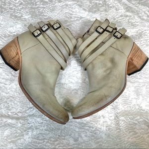 Freebird Savor strappy ankle booties size 9